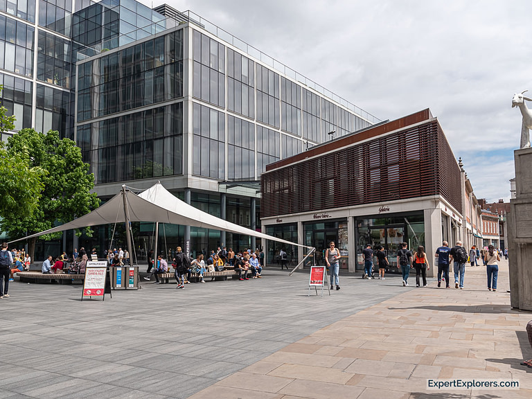 Bishops Square Entrance into Spitalfields Market