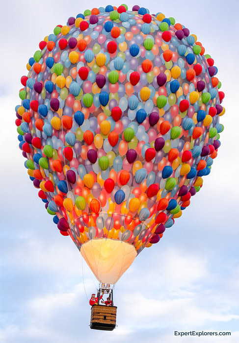 Hot air balloon designed to look like the movie UP with thousands of small balloons