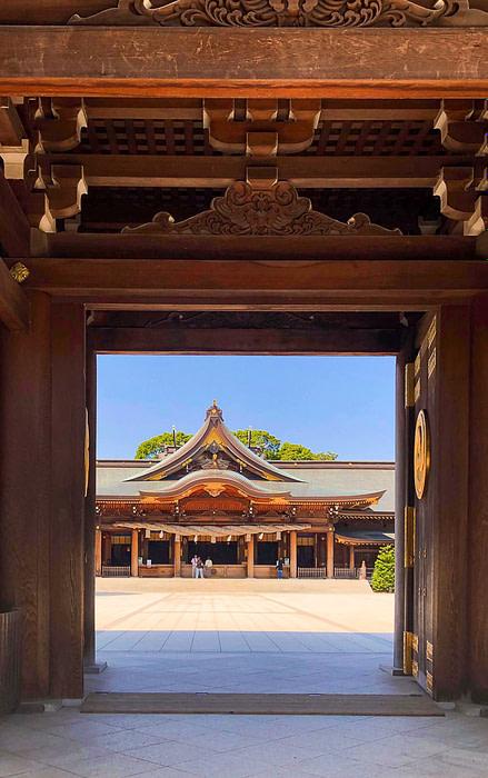 Samukawa Shrine seen through the entrance gate in Chigasaki, Japan