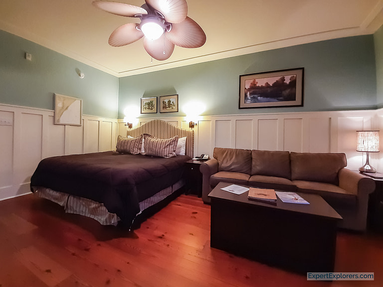 Room at Inlet Sports Lodge in Murrells Inlet