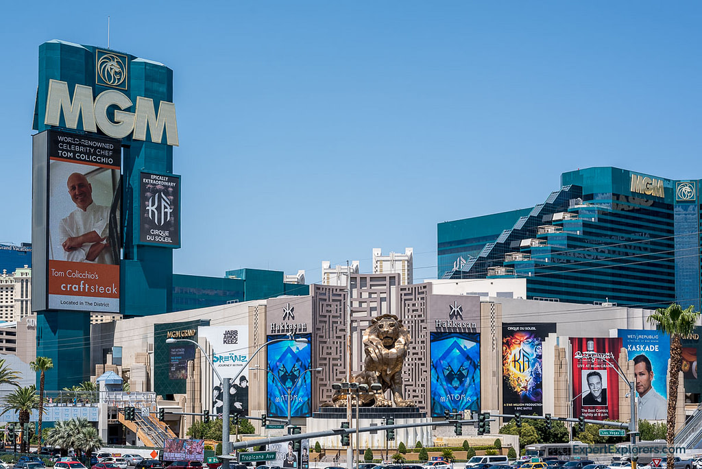 The MGM Grand with its famous lions, Las Vegas