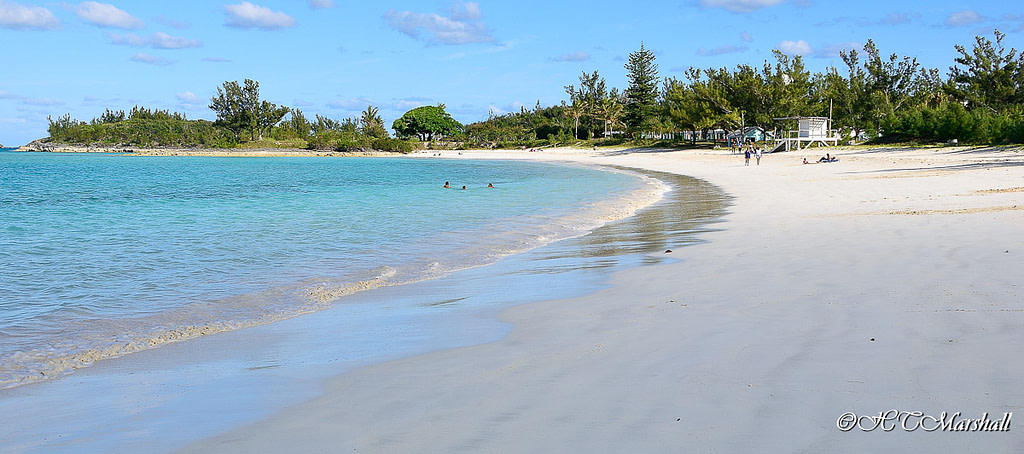 Blue waters and white sand of Clearwater Beach, one of Bermuda's best beaches