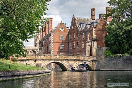 Punting past Kitchen Bridge on the River Cam, Cambridge